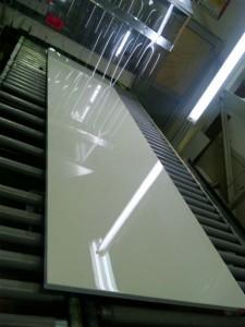 キッチンパネルエナメルUV塗装 平滑なレベリング