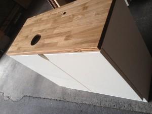 タモ天板、UV塗装扉、手洗いキャビネット