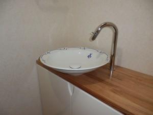 タモ天板、UV塗装扉、手洗いキャビネット、陶器手洗い器